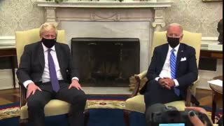 WH Staff Interrupt UK PM Boris Johnson Mid-Sentence To Push Out Reporters