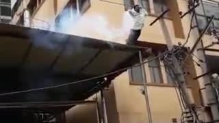 High voltage shok