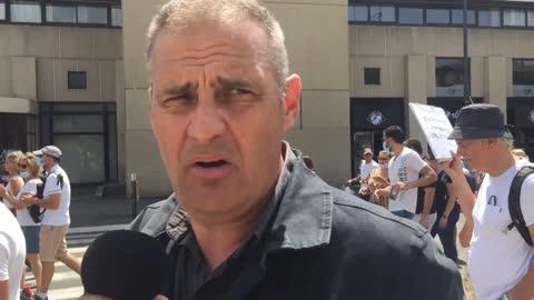 """""""Nous sommes des gaulois réfractaires, il faut tenir"""" Y. Benedetti manif anti-pass Avignon 31/07"""