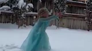 Little girl finally gets some snow to do her 'Frozen' scene