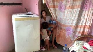 [Video] El drama de las abuelas-mamás en Venezuela