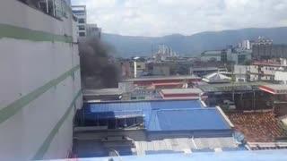 Video: Cuerpo de Bomberos atendió incendio de un bus en Bucaramanga