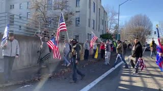 American patriots, Antifa brawl it out on the streets of Olympia, Washington