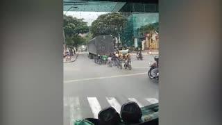 Video: Alerta en Bucaramanga por imprudencias viales de jóvenes en bicicleta
