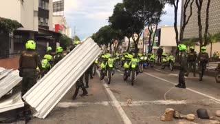 barricadas en la carrera 27 durante protesta 2