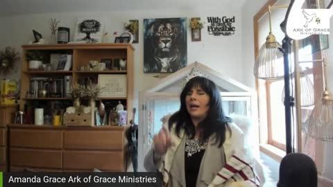 Amanda Grace Talks - The Spirit is Moving