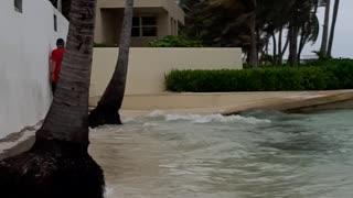 BELIZE High tide