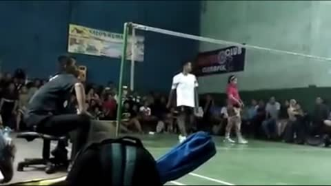 Playing badminton with flashing shoes [part 6]