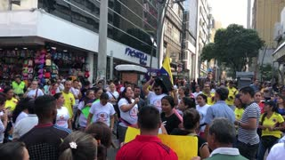 Marcha de vendedores informales en el centro de Bucaramanga