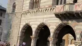Como piazza Duomo
