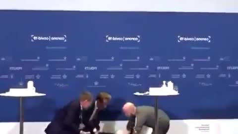 DANISH WOMAN PASSES OUT AT PRESS CONFERENCE ANNOUNCING VACCINE BAN