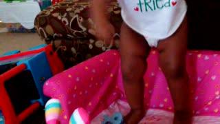 Dancing toddler makes Santas naughty list