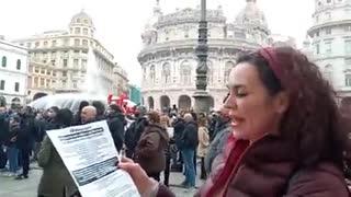 MANIFESTANO PER AVERE IL PASSAPORTO VACCINALE!!