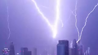 Breathtaking Lightning Strikes in Dubai