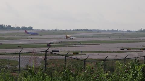 Boeing 737-800 Operating as Southern Air Flt 524 Departing St. Louis Lambert Intl