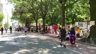 Manifestantes se toman la valla de la Casa Blanca para protestar contra Trump y el racismo