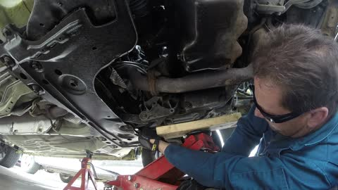 2002 Ford Focus Rear Engine Mount replacement