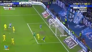 FC Porto-Tondela: tudo ao primeiro toque e golo de Otávio