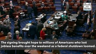 Trump averts shutdown, signs $2.3 trillion spending and COVID relief bill