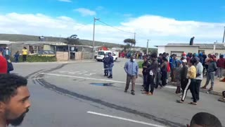 Police scour scene after cash-in transit robbery in Macassar