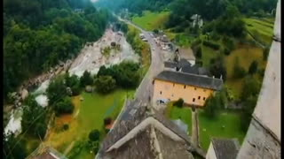 FPV Flying through a beautiful landscapes