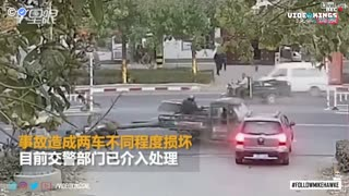 Scooter driver crash and flies into the back of a truck