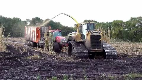 Bulldozer as towing tractor with contracting firm Huisman
