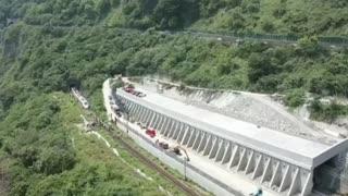 Video: Accidente de tren en Taiwán deja al menos 48 muertos y 66 heridos 3