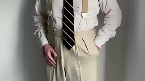 Roger Stone Explains How a Gentleman's Trousers Should Properly Hang