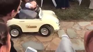 Kids add some comedy to a wedding 😆