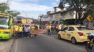 Bloqueos y plan tortuga: así avanza el paro de transportadores en Bucaramanga