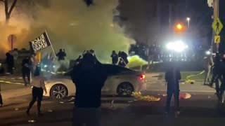 Tumultuous Scene as Police Fire Teargas at Minneapolis Rioters
