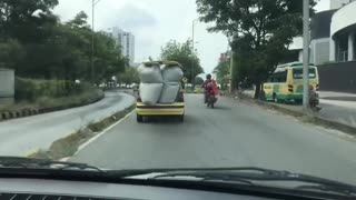 Video: Taxista 'lleva del bulto' por la autopista Bucaramanga - Floridablanca