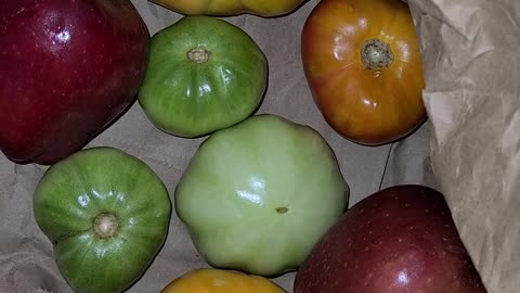 Cool tip: how to turn green tomatoes red