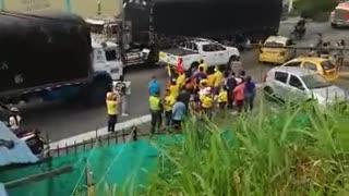 Protestas en el norte de Bucaramanga por falta de apoyos humanitarios.