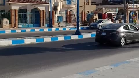 See the streets of Marsa Matruh, comfortable roads and luxury cars