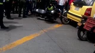 Video: Hurto terminó en persecución y accidente en el centro de Bucaramanga