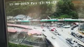 Video: Así fue la emergencia por deslizamiento en obras viales de Manizales