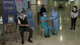 Perú inicia vacunación contra el COVID-19