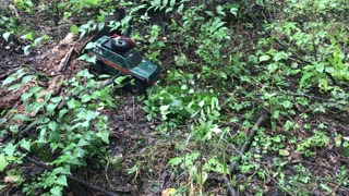 Remote Control Land Rover Pulling out Truck