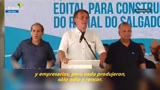 """Presidente de Brasil dice que no tiene la culpa de """"absolutamente nada"""" de la pandemia"""