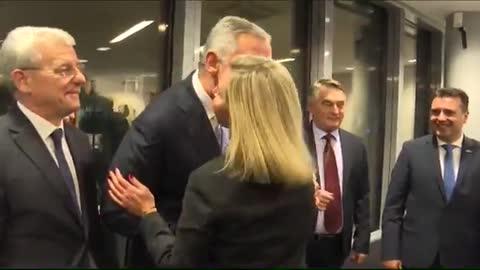 Federica Mogherini ljubi Hašima Thacija