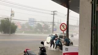 Heavy rain drifts motorbikes