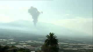 After calm, La Palma volcano shoots up cloud of smoke