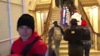 DC police open doors for MAGA Trump protestors 6 Jan 2021
