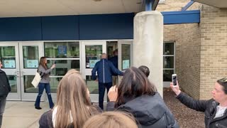 Hudsonville Board Meeting Denies Entry to Parents w/o Masks, Then Claims Full Capacity
