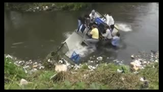 look what happened to this smart boat