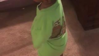 Toddler singing 🎤