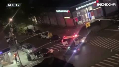 Policajac u New Yorku pregažen, od siline udarca odbačen u zrak