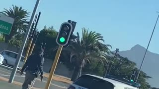 Law enforcement officers shoot tires of suspect in Cape Town